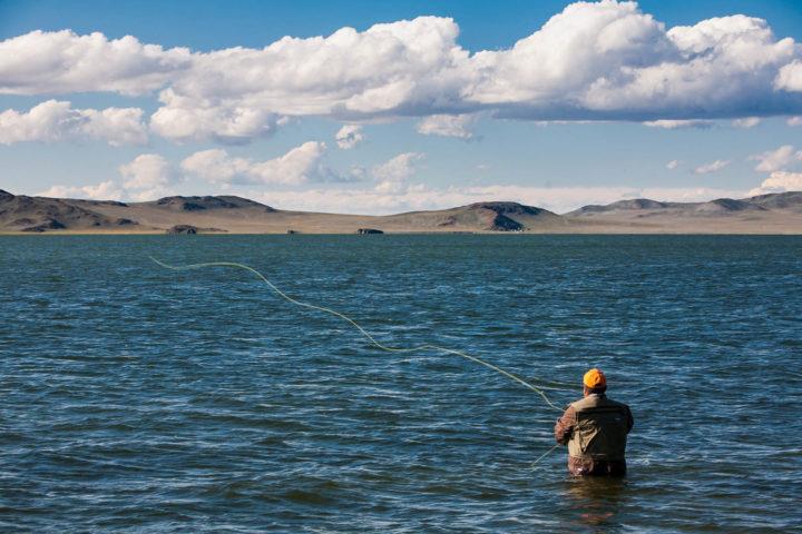 5. Рыбалка в озере