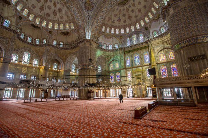 2. Внутри Голубой Мечети