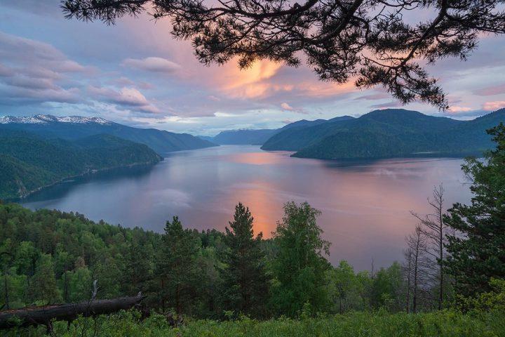Закат-на-Телецком-озере