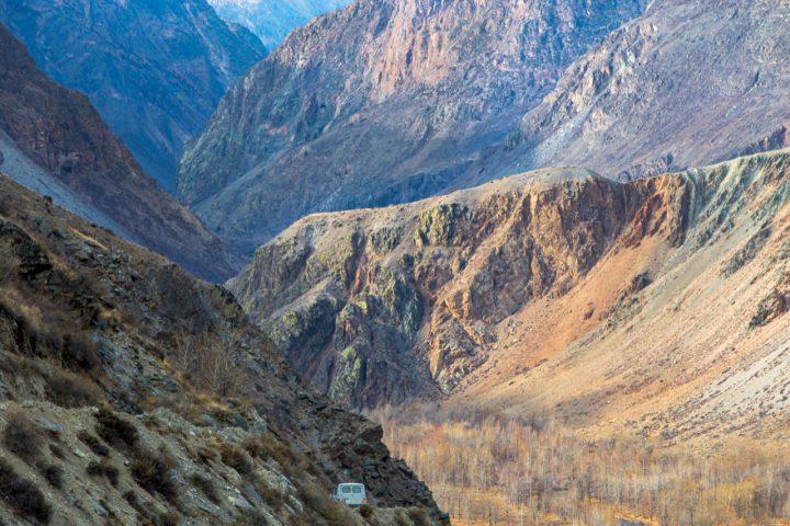 Спуск в долину Чулышмана
