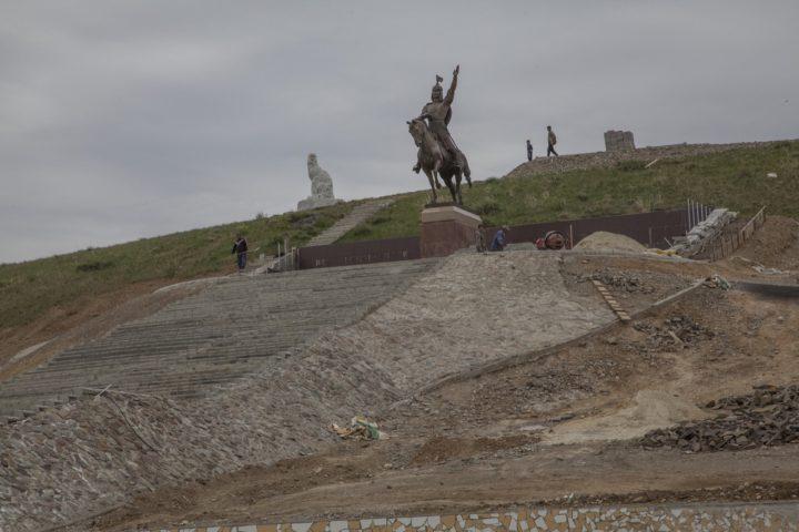 4. Памятник
