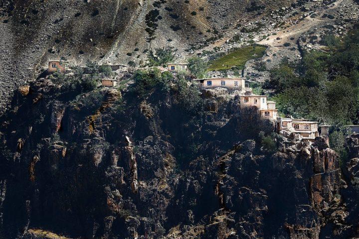 8. Памирский тракт, Афганская деревушка. Фото Игорь Дронов