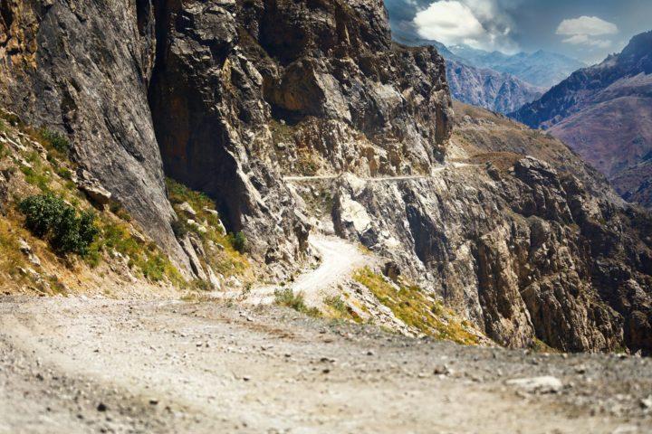 8. Памирский тракт, перевал Сагирдашт. Фото Игорь Дронов