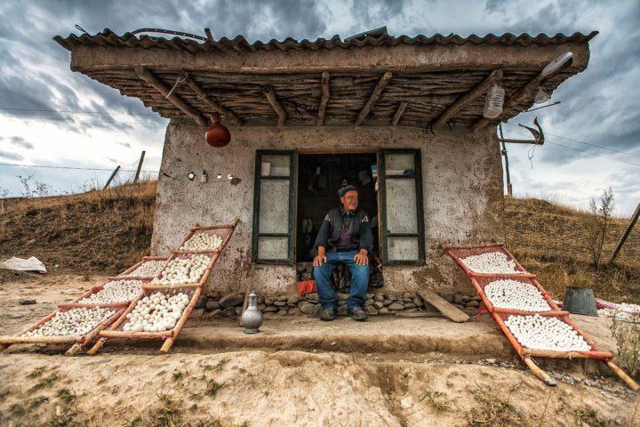 8. Продавец курута. Фото Акмал Усманов