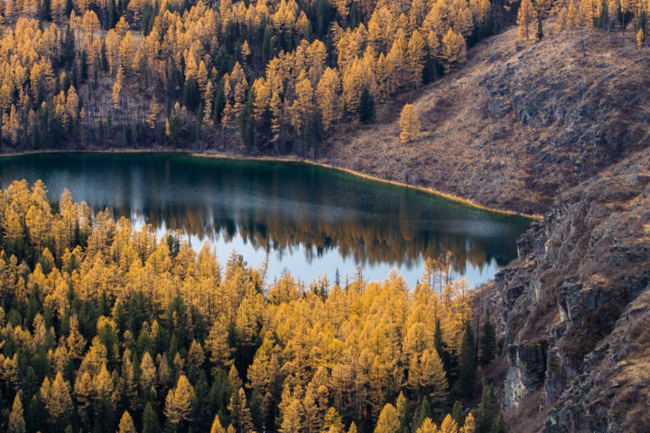 3. Озеро по дороге на Чулышман.