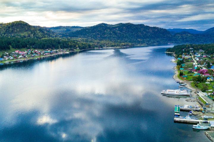 1.Телецкое озеро сверху