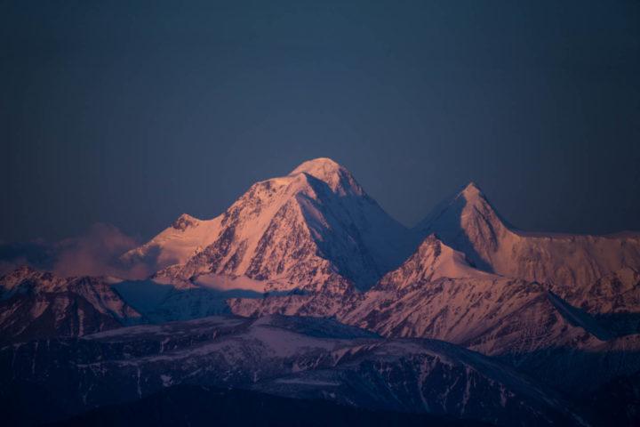 Вид на Белуху с перевала Ачик
