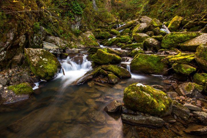 1. Водопады на реке Тивинек